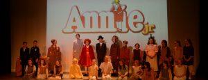 1920x700-showcase-siogenedd-aberdare-wales-youth-theater-performance-confidence-drama-club-annie-2017-158